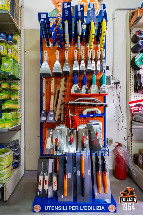 Edilizia 19 64 esposizione ferramenta